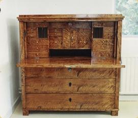 renovering av gamla möbler